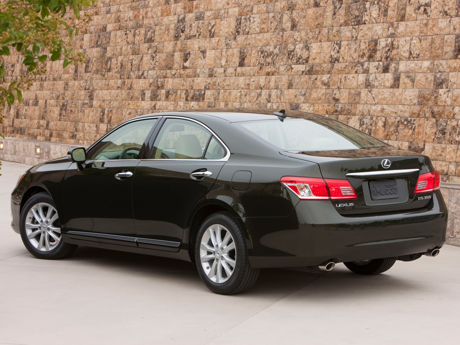 2010 Lexus Es350 Lexus Luxury Sedan Review Automobile Magazine